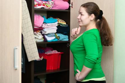 iStock closet organize